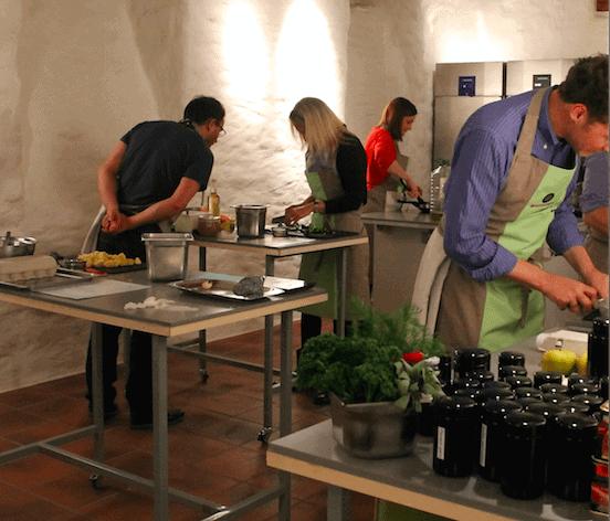 kulinarische Teamevents und kochen im Team auch als Weihnachtsfeier